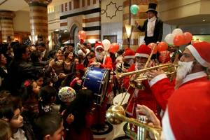 VIDEO of Christmas market in Damascus shows the side of Syria you won't see in Western media