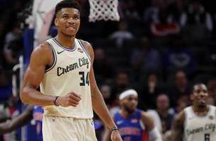two of nba's hottest teams collide as bucks host clippers