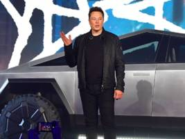 Elon Musk drove the controversial Tesla Cybertruck near Los Angeles 2 years before its planned release (TSLA)