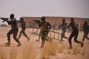 70 soldiers dead in niger after attack by islamic militants