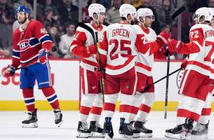 bernier makes 42 saves as red wings win second straight, 2-1 over canadiens 2-1
