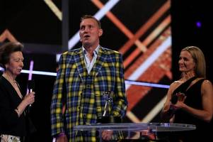 doddie weir brings sporting world to tears with inspiring message at bbc sports personality of the year awards