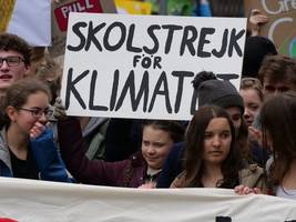greta thunberg back outside sweden's parliament