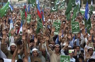 muslim professor in pak sentenced to death on blasphemy charges