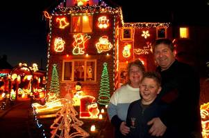 does your home feature in these fabulous christmas lights photos from 2004?
