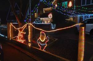 thousands visit street with amazing christmas lights display