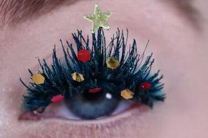 how to make your eyelashes look like christmas trees