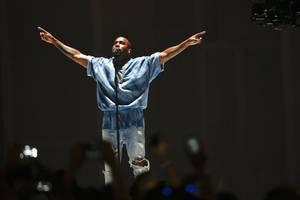 Kanye West releases new album 'Jesus Is Born'