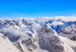 avalanche on italian glacier kills woman, two children