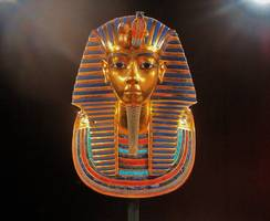 egypt breaks world record by making tutankhamun death mask with 7,260 cups of coffee