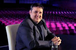 peter kay's tweet slamming channel 5 documentary has confused fans all noticing same thing