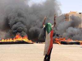 sudan sentences 27 people to death for torturing, killing protester