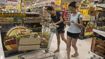thailand bans single-use plastic bags in major stores