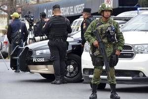 16 killed, 5 wounded in prison riots in mexico