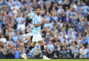 why var denied man city forward riyad mahrez a penalty vs everton