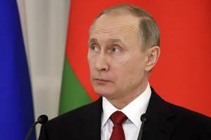 russia halts oil supplies to belarus amid economic talks