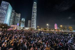 china replaces head of hong kong liaison office amid ongoing protests