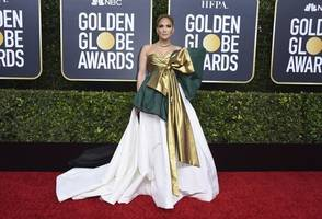 golden globes 2020 worst dressed: jennifer lopez, awkwafina, jodie comer leave fans disappointed - view pics