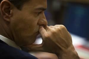 crunch time: pedro sanchez faces tight parliament vote to remain pm