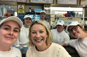 gavin & stacey's joanna page popped in for a joe's ice cream in mumbles and everyone was starstruck