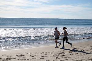 healthy lifestyle can help stave off diseases for extra decade, study finds