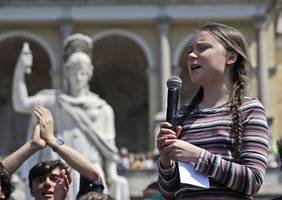 greta thunberg tells world leaders to end fossil fuel 'madness'