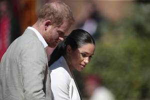 obamas, not kardashians, likely to be model as meghan and harry seek fresh brand