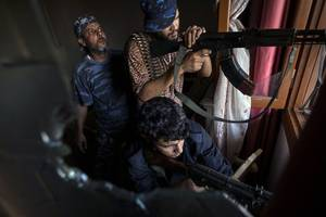 Libya: Haftar-led forces declare truce in battle for Tripoli