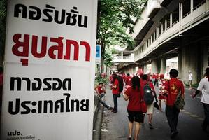 thousands protest against government in thai capital