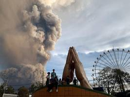 lava begins to spew from philippines volcano
