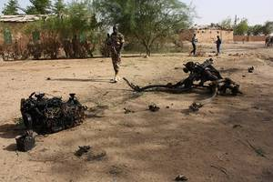 niger declares three days of mourning after 89 soldiers killed in attack on military base