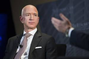 india greets amazon founder jeff bezos with an antitrust complaint