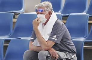 Bad air doesn't stop qualifying for Australian Open
