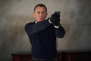 next james bond 'can be of any color' – but won't be a woman, franchise producers say