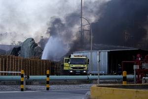 death toll rises to two in spanish chemical plant blast