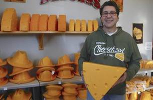 when packers win, so does milwaukee's cheesehead factory