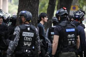 10 HK protesters arrested over pipe bomb plot