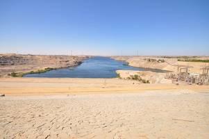 nile river dam row: egypt, ethiopia and sudan make draft deal