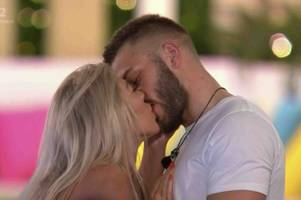 paige turley snogs new man just a day after ollie leaves the love island villa