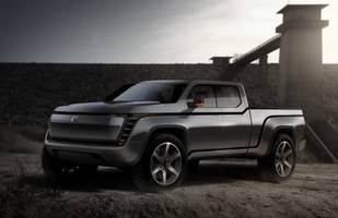 A new electric pickup truck will beat Tesla's Cybertruck to market. Here's why Lordstown Motor's Endurance could be a major threat.