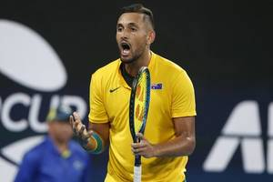 nick kyrgios shuts down alexander zverev in grand slam row