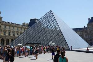 paris's louvre reopens after museum blocked by strikers