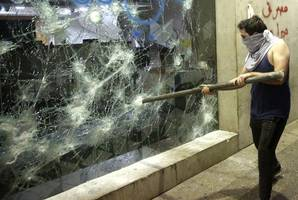 protesters in lebanon smash banks in 'week of rage' as financial crisis bites