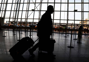 us to check chinese travelers following disease outbreak