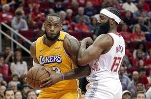 james scores 31 points, lakers beat rockets 124-115