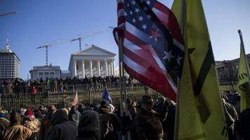 protesters gather in virginia's capital for massive gun rights rally