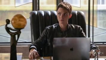 'Batwoman' Season 1 Episode 10 Recap: Batwoman Comes Out