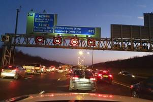 m25 and dartford crossing traffic stretching back to a2 and m20 after lorry and car crash