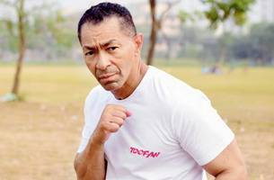darrell foster explains how he turned farhan akhtar into a lean, mean fighting machine