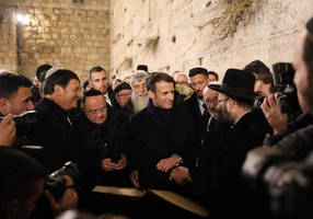 French President Macron visits Western Wall